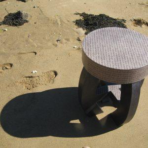 Le tabouret rond à la plage